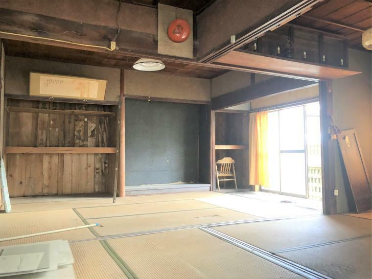 和室 このレトロな雰囲気、まるで名作トトロに出てきそうです!