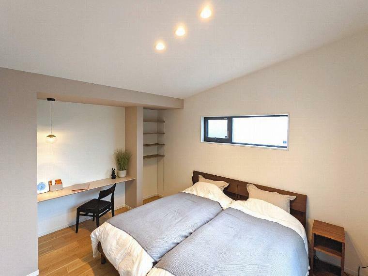 寝室 施工例■主寝室はベットもゆったり置くことができる広さ!収納も充実しています。
