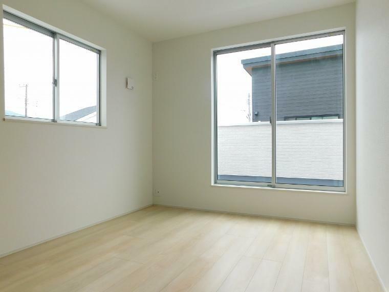 洋室 【施工例】8帖の居室は、心地よく寛げるようゆったりとした広さを確保しています!