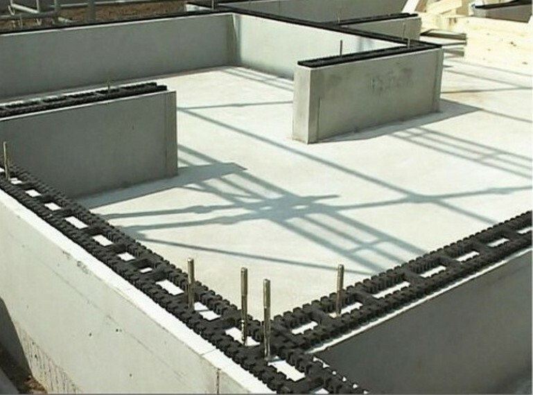 外観・現況 基礎パッキン工法により床下の湿気を排出して理想的な床下環境を実現