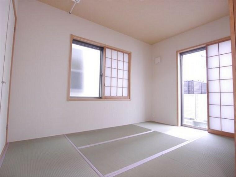 和室 お子様にとっていいお昼寝空間になる和室は、ぜひリビングのお隣で。