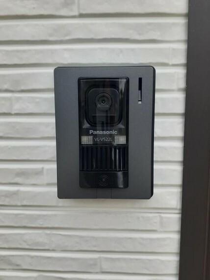 TVモニター付きインターフォン モニタ付きインターホンが設置されている玄関前!