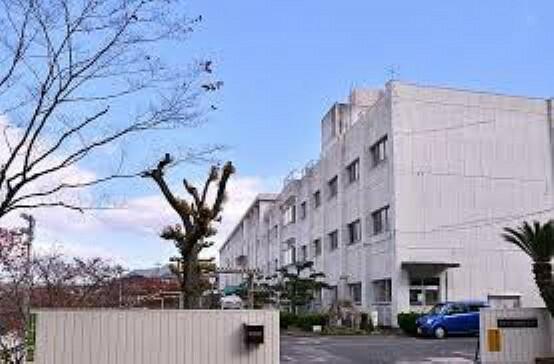 中学校 広島市立安西中学校