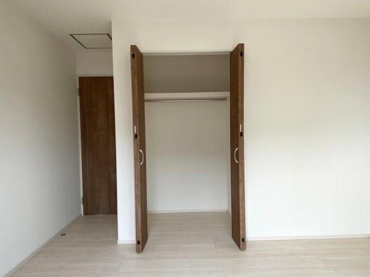 収納 各室に収納スペ-スがありますのでお部屋スッキリ片付きますね