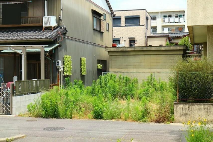 現況写真 平坦地のため建物プランの自由度が高いところもポイントです。