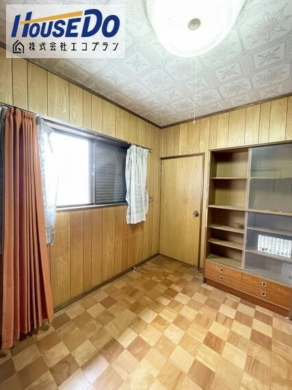 洋室 陽当たりの良い洋室です  生活スタイルに合わせて自由にレイアウトを 変更できるシンプルな間取りです!