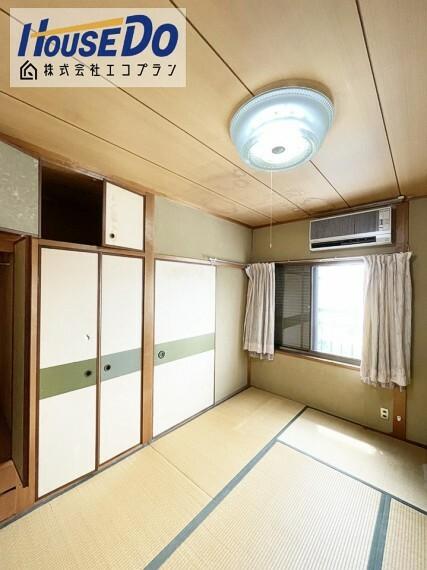 和室 2階の和室にはしっかり収納スペースが ついております  お子様の思い出や、アルバム等もらくらく収納できますね!