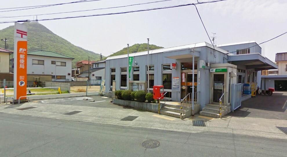 郵便局 郵便窓口は9:00~17:00です!駐車場は8台まで可能です