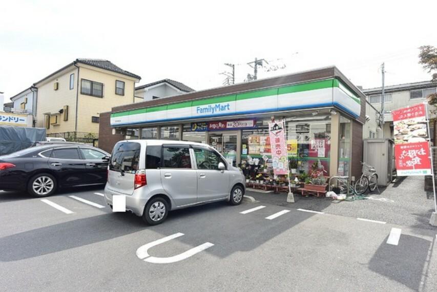 コンビニ ファミリーマート入間川病院前店
