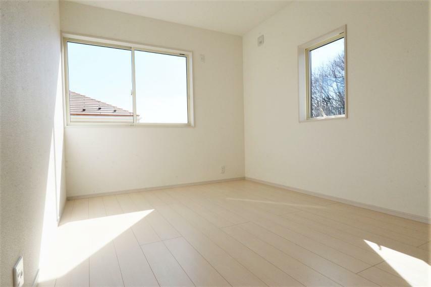 子供部屋 (同仕様例)全居室収納完備でお部屋を広く使用できます。!