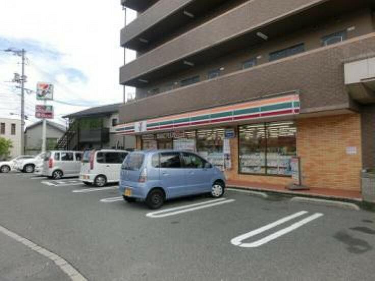 コンビニ セブンイレブン 広島相田2丁目店