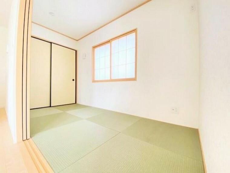同仕様写真(内観) \同仕様写真/新しい畳の香りのする畳コーナーは、使い方色々!客室やお布団で寝るときにぴったりの空間ですね。