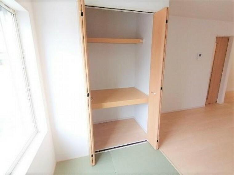 同仕様写真(内観) \同仕様写真/各居室に収納スペースがあり、お部屋を広くお使い頂けます!