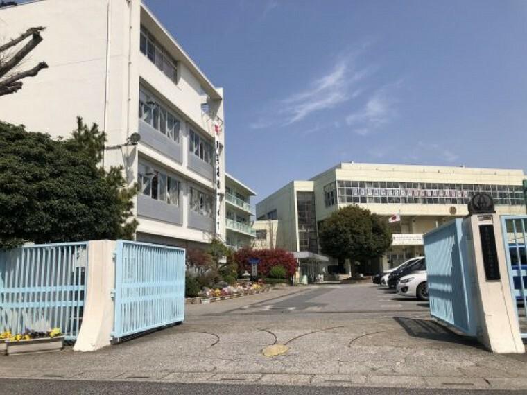 中学校 【中学校】春日部市立春日部中学校まで1043m