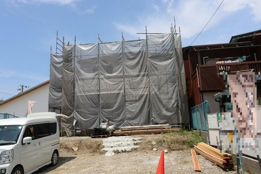 外観・現況 大容量収納とスッキリ玄関を実現するシューズインクローク付き!  21年7月15日撮影しました。
