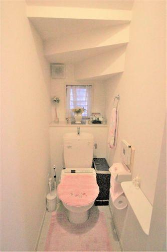 トイレ カウンター付きのトイレです