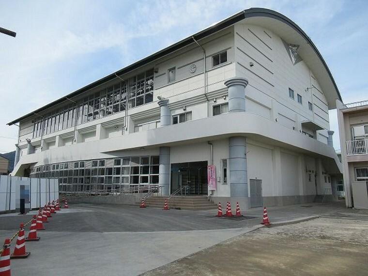 小学校 【小学校】高岡第一小学校まで1096m