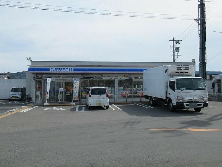 コンビニ 【コンビニエンスストア】ローソン 土佐インター店まで467m