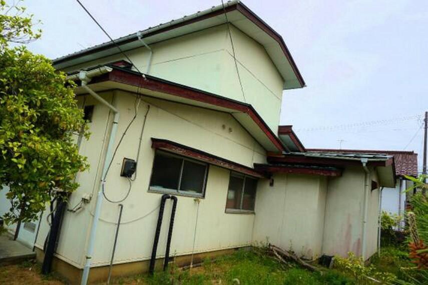 外観写真 和室が3部屋ある落ち着いたお住まいです。