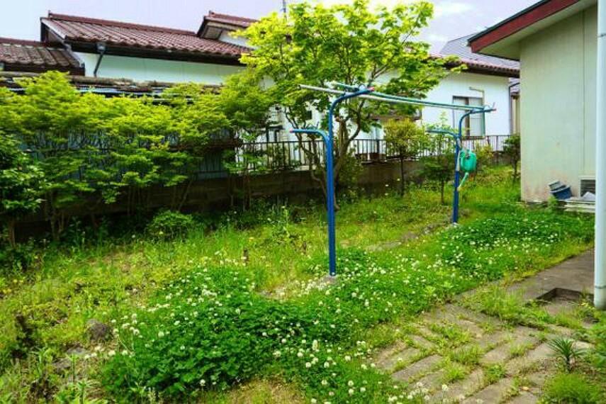 庭 お庭がございますので、家庭菜園やガーデニングが楽しめます。