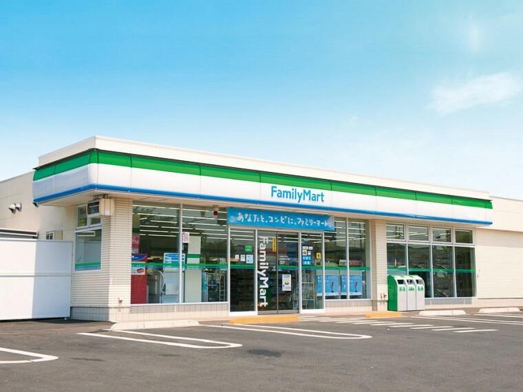 コンビニ ファミリーマート熱田古新町店