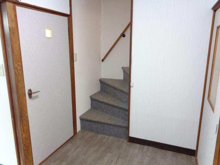 洋室 1階階段