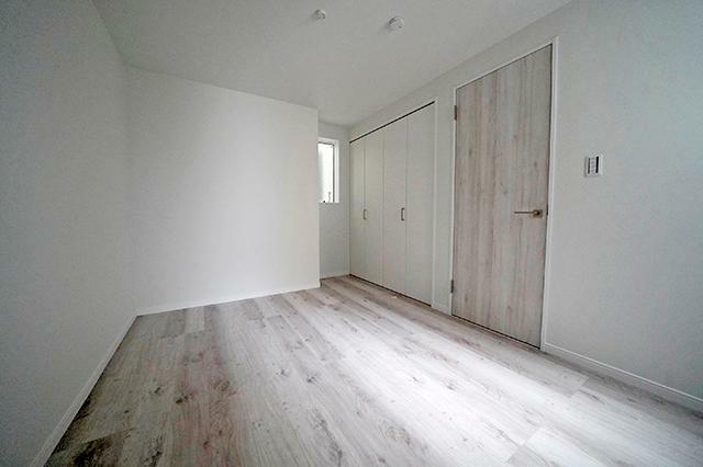 洋室 ●1階納戸約5.8帖