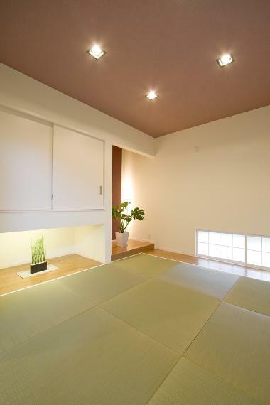 同仕様写真(内観) 和室独特の香りと造りが、癒しの空間をコーディネートしますので、大切なゲストも気兼ねなく寛がれることでしょう。