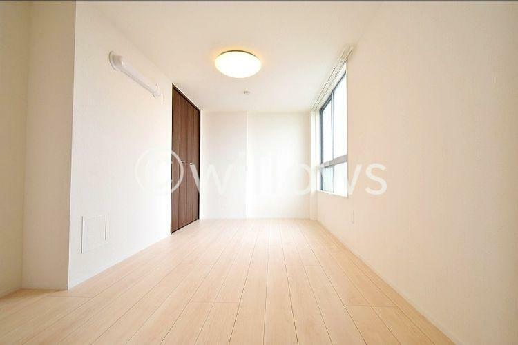 居間・リビング 室内新規フルリノベーション済みのため大変綺麗です。