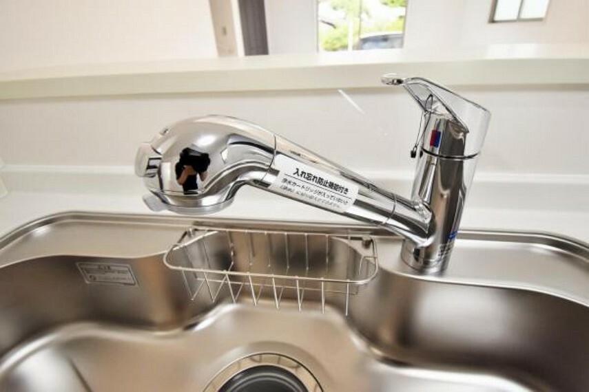発電・温水設備 浄水器付のシステムキッチン