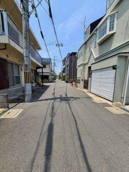 現況写真 戸建てが並ぶ落ち着いた街並みです