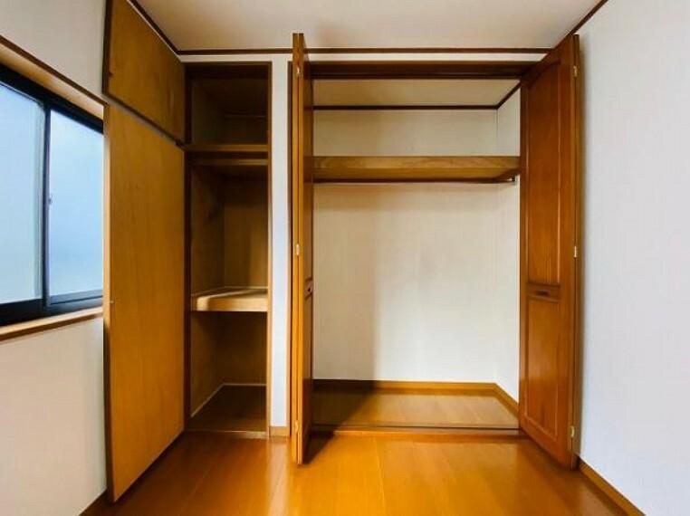 収納 各居室に収納スペースがあります