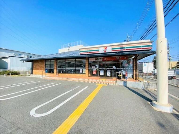 コンビニ セブンイレブン 摂津鳥飼本町五丁目店
