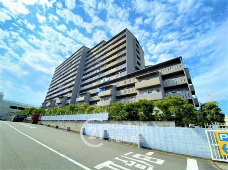 外観写真 RC造地上14階建てマンションです