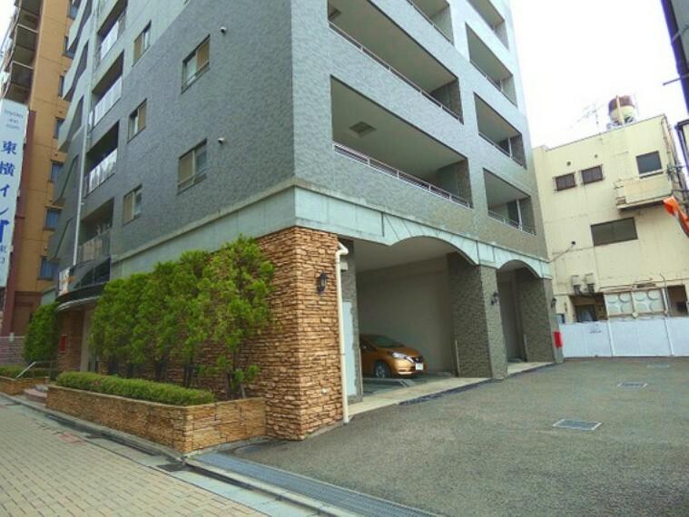 外観写真 13階建て10階、3LDKのお部屋です。