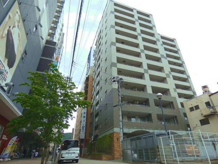 外観写真 「福島」駅より徒歩約3分の立地です。