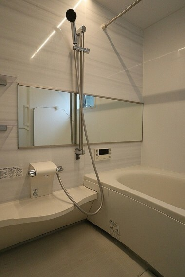 浴室 日々の疲れを癒すお風呂はやさしい色合いの空間