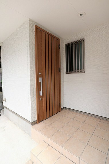 玄関 綺麗で清潔感のある玄関が迎えてくれます