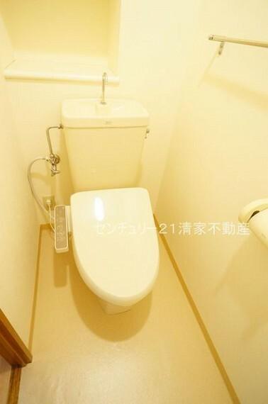 トイレ 温水洗浄便座付きトイレ!(2021年06月撮影)