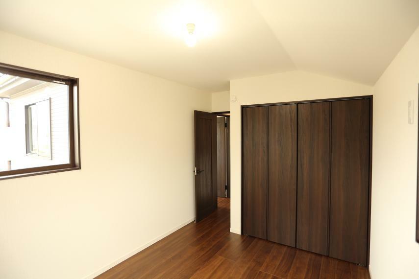 収納 全居室収納完備です!