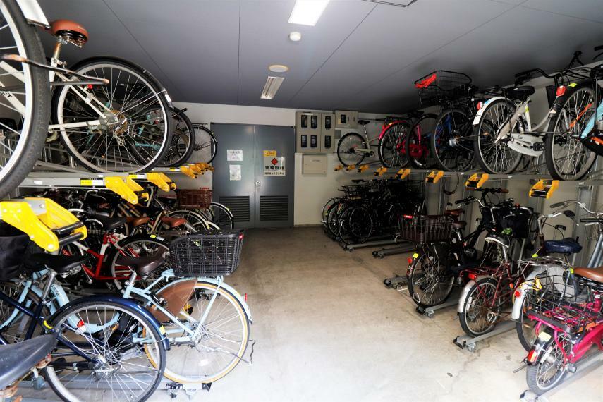 駐輪場 たくさん自転車が止めれます。