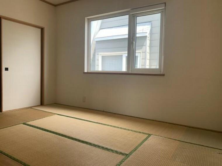 [リフォーム前_2階和室→洋室]2階の和室になります。こちらのお部屋は和室に変更予定です。床を上張り、クロスの張替え、照明交換を行う予定です。