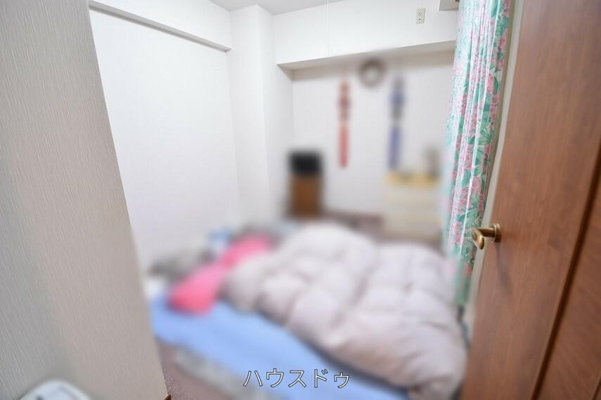 洋室 全居室に収納スペースがございます!物が多い方もたっぷり収納出来そう お子様の思い出もしっかりとっておけますね(*^ ^*)