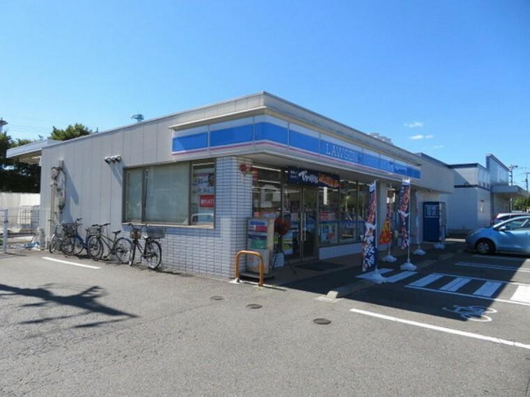 コンビニ ローソン福生南田園店