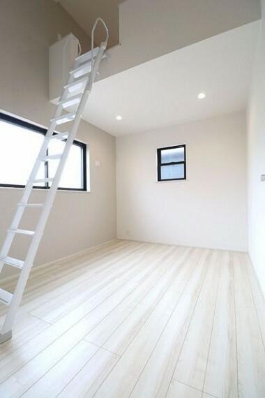 子供部屋 ロフトのある6帖洋室。