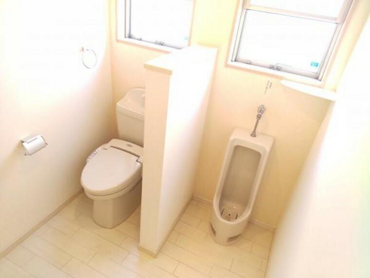トイレ 【現在リフォーム中】トイレはクリーニングを行います。トイレは広々作られており、男性用トイレもあると流す水の量も少なく済み、エコですね。