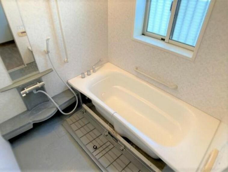 浴室 浴室(クリーニング前)