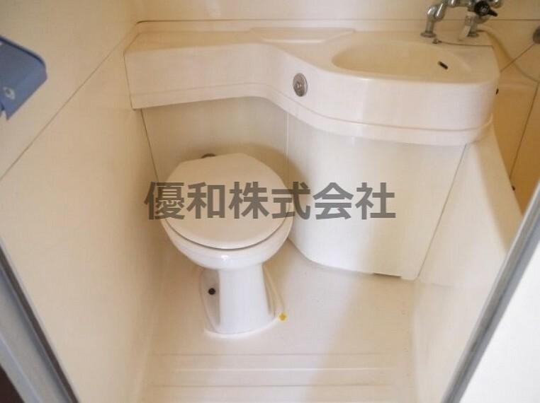 トイレ 現況とは異なります。同タイプのお部屋のトイレとなります。参考です