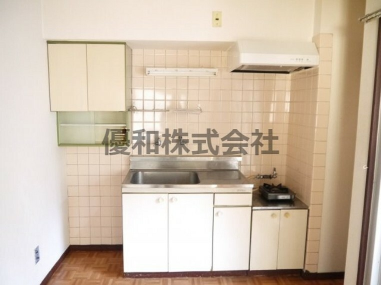 キッチン 現況とは異なります。同タイプのお部屋のキッチンとなります。