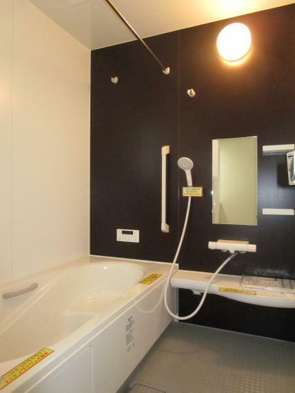 浴室 【1号棟】浴室暖房換気乾燥機・高断熱浴槽サーモバスS・スイッチ付エコフルシャワー